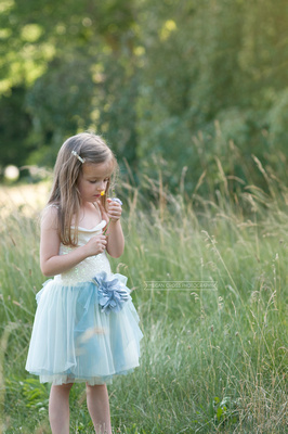 fairy child, child portraiture, child in field,