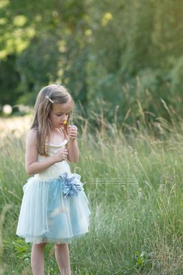 fairy child, child portraiture, child in field,